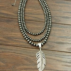NWT - Western Pearl Necklace with Feather Pendant